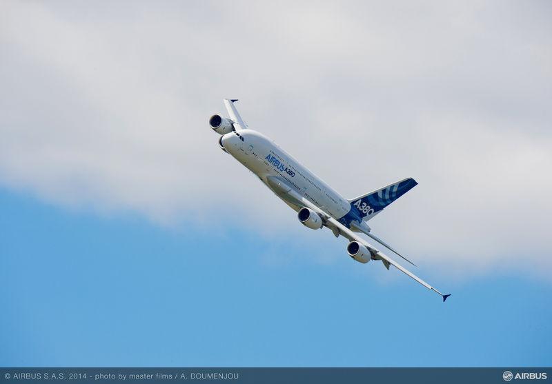 DOPO 10 ANNI L'A380 CONTINUA A SODDISFARE PASSEGGERI E OPERATORI