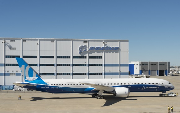 BOEING: ROLL-OUT DEL 787-10 DREAMLINER