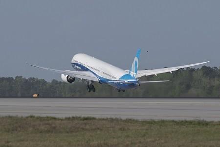 Boeing 787-10 First Flight