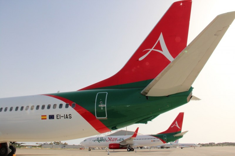 Boeing 737-800 Albastar