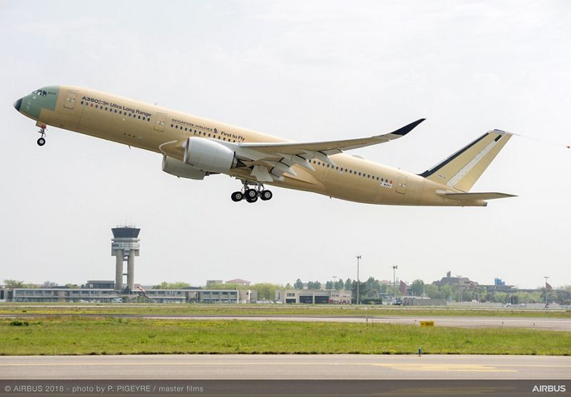 A350 900 ULR Singapore take off
