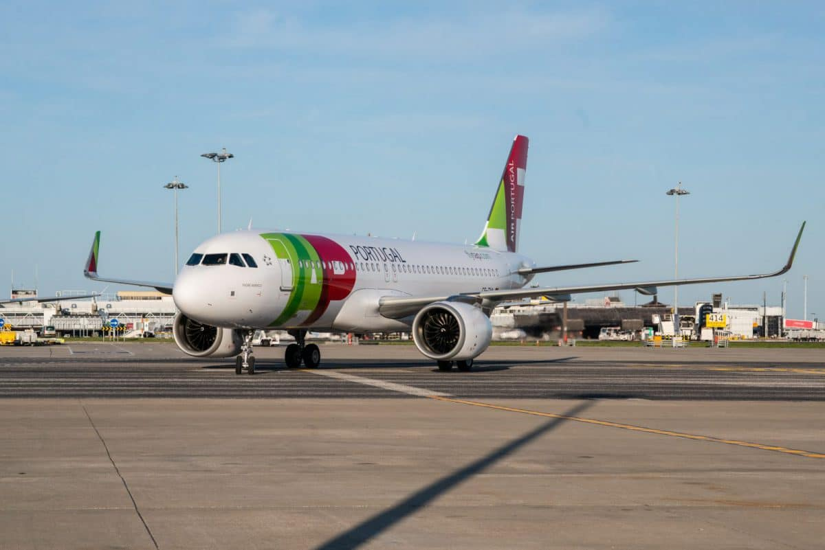 A320neo by TAP