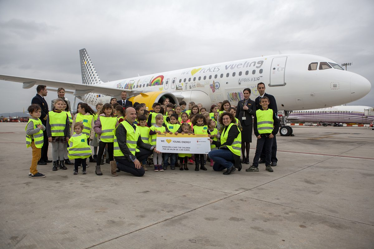 Vueling A320neo kids WeLoveYoungEnergy