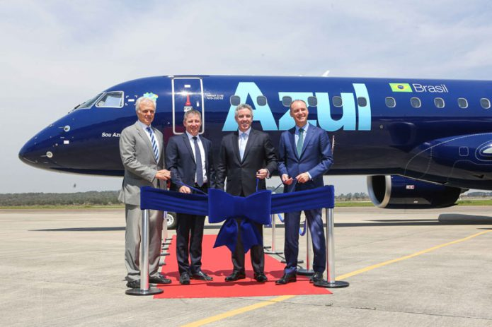 E195 E2 Azul 2