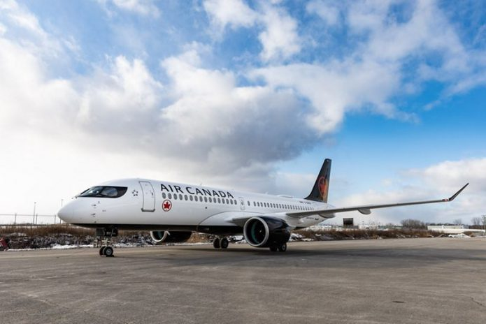 A220 AirCanada Taxiing