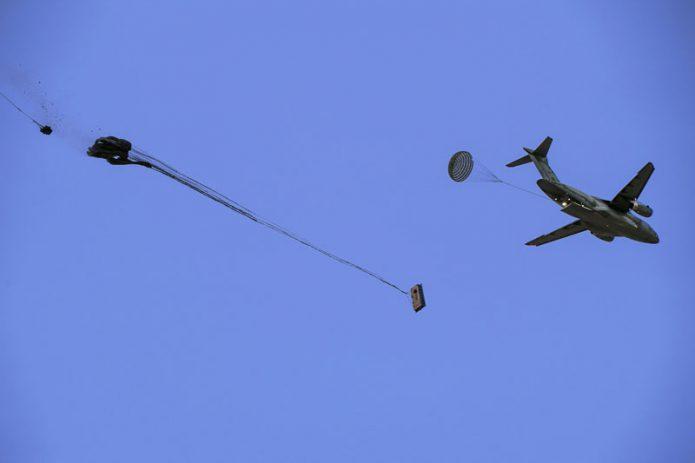 KC 390 Millenium airdrop