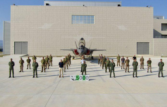 F35A traguardo5000 ore di volo foto di gruppo
