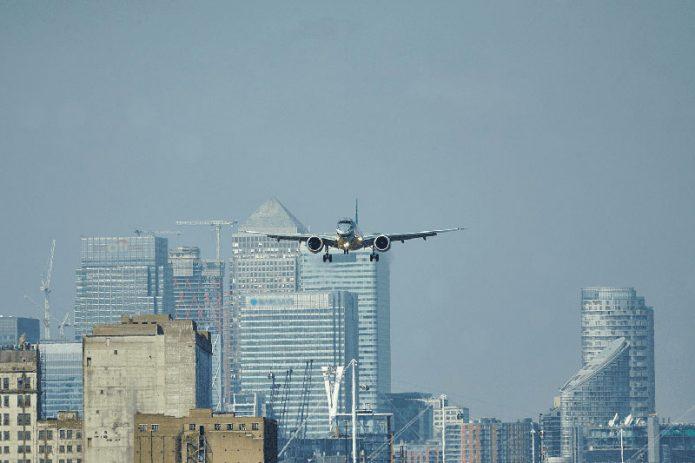 Embraer E2 ARRIVAL LCY SHARK