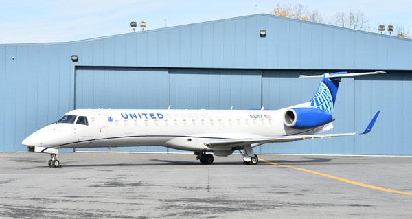 Embraer ERJ 145 United Express